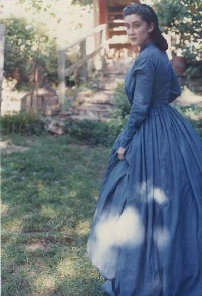 PastPatterns #801, fan front bodice, blue stripe cotton dress made by Kelina Lobo.